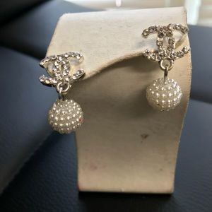 Fashion Pearl And Rhinestones Earrings